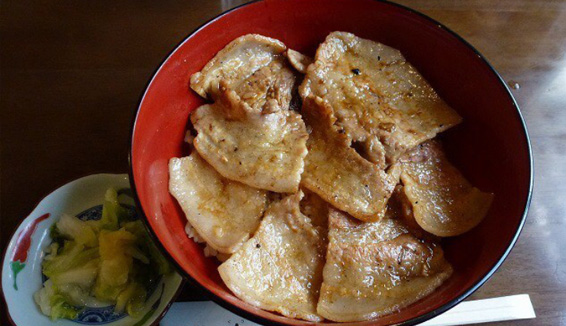 炭焼豚丼 空海/午餐の写真