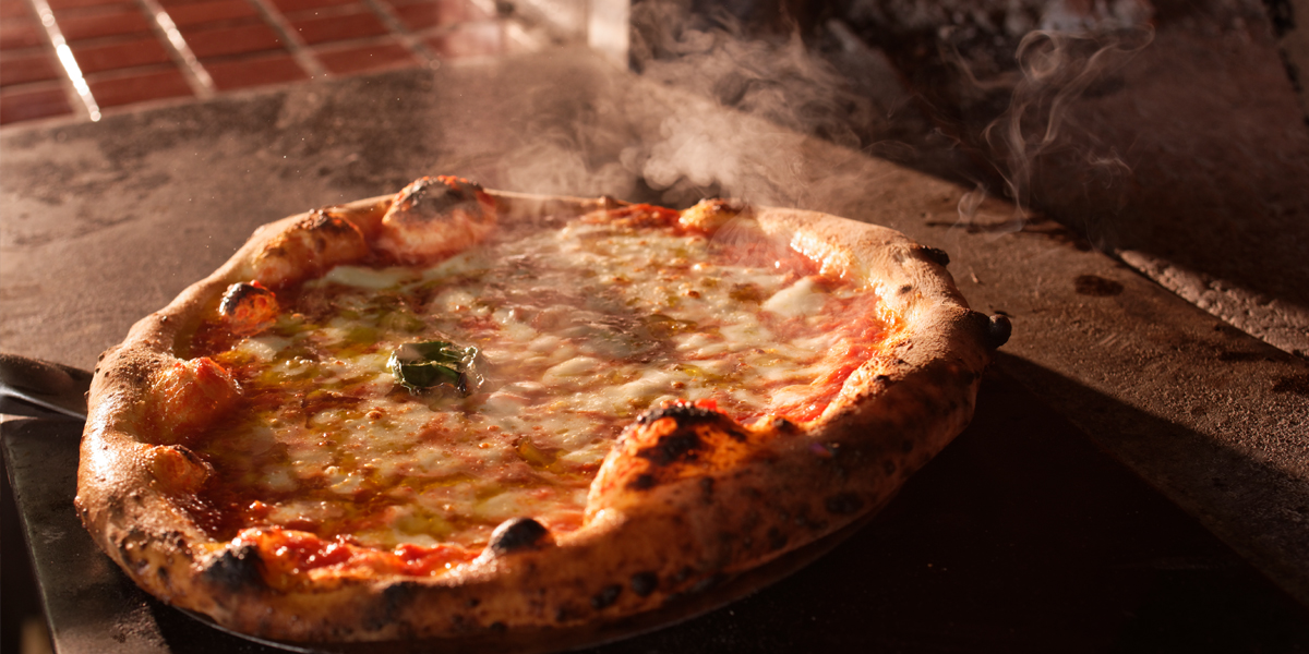 Come and taste fresh pasta and hearth-baked pizza at an Italian farm restaurant. imgae